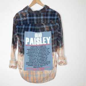 RE/ • 🎸 Music City Flannel: Brad Paisley